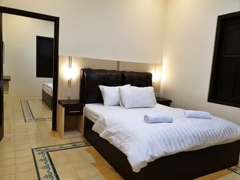 Malioboro Place Yogyakarta - Begonia Room ( Kamar Mandi Bersama ) Staycation19