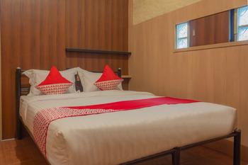 OYO 789 Pelangi Guest House Tangerang - Deluxe Double Room Regular Plan