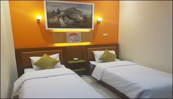 The Cabin Tanjung Hotel Wonosobo - Small Cabin Special Deals