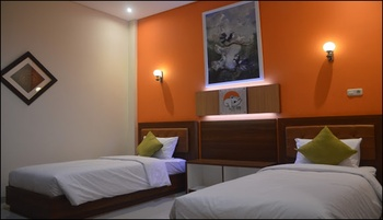 The Cabin Tanjung Hotel Wonosobo - Big Cabin Twin Special Deals