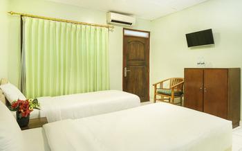 Hotel Perwita Sari Yogyakarta - Standard Twin Room Regular Plan