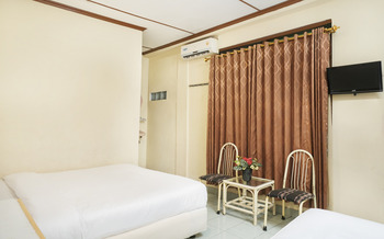 Hotel Perwita Sari Yogyakarta - Suite Triple Regular Plan