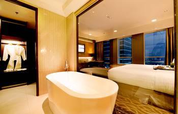 JS Luwansa Hotel Jakarta - Premier Club Weekday Promo