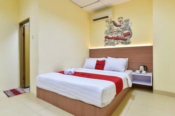 RedDoorz Plus near TIS Square Jakarta - RedDoorz Room Regular Plan