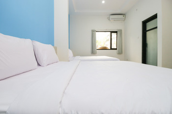 Sky Residence Batu 1 Malang Malang - Family Triple Room Only Regular Plan