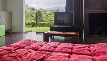 Tea Garden Resort Subang - Superior Couple With Breakfast Regular Plan