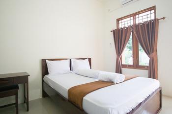 Bale Eja Syariah Lombok - Standard Room Kurma Deal