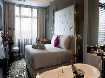 The L Hotel Seminyak - Luxe Suite dengan Sarapan Non Refundable Regular Plan