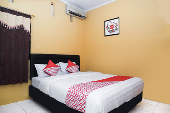 OYO 598 Udan Mas Guesthouse& Gallery Magelang - Standard Double Room Regular Plan