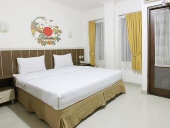 Dago Hills Hotel by Steps Bandung - Deluxe Double Bed Room Only Today's Offer