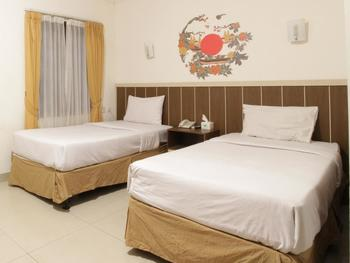 Dago Hills Hotel by Steps Bandung - Deluxe Twin Bed Room Only Today's Offer