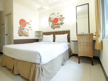 Dago Hills Hotel by Steps Bandung - Superior Double Bed Room Only Today's Offer