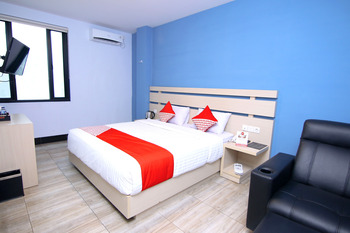 OYO 592 Budget Hotel By The Harbour Padang - Deluxe Double Room Regular Plan