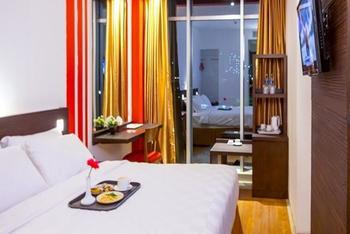 Redstar Hotel Jakarta - Standard Room With Breakfast Regular Plan