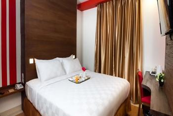 Redstar Hotel Jakarta - Standard Room With Breakfast Regular Plan