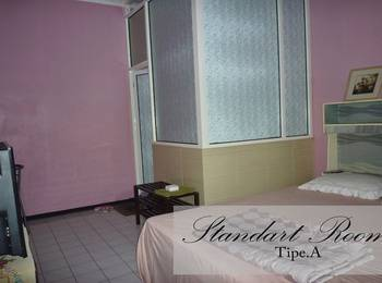 Jonas Homestay Malang - Standard Room Only Regular Plan