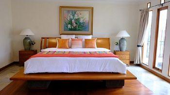 Pasteur Beautiful Luxury House Bandung - 5 Bedroom Villa Regular Plan