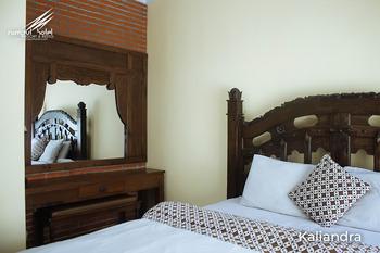 Rumput Hotel Yogyakarta - Kaliandra Room Only Regular Plan