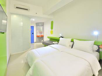 POP Hotel Stasiun Kota Surabaya - POP Room with Breakfast for 1 person Regular Plan