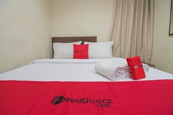 RedDoorz near Yuki Simpang Raya Mall Medan Medan - RedDoorz Room Regular Plan