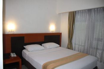 Hotel Grand Karawang Indah Karawang - Deluxe Room Only Regular Plan