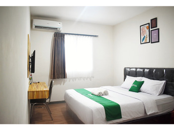 Bima Guest House Malang - Standard Queen Room (Room Only) Basic Deal