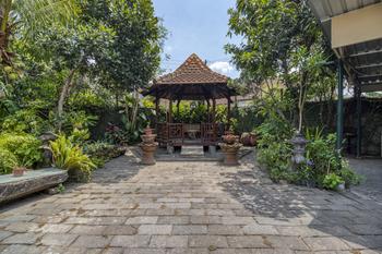 RedDoorz Hostel near Adisucipto Airport Yogyakarta