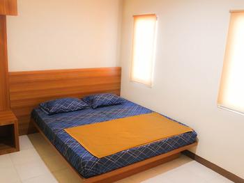 100 Meters Toll Access Kopo Hostel Bandung - Superior King Room Regular Plan
