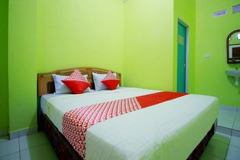 OYO 2585 Sherren Guest House Lubuklinggau - Standard Double Room Promotion