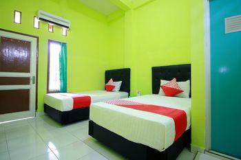 OYO 2585 Sherren Guest House Lubuklinggau - Standard Twin Room Regular Plan
