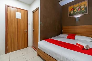 RedDoorz Syariah near Simpang Surabaya Aceh Banda Aceh - RedDoorz Room Regular Plan