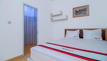 RedDoorz @Bangka Raya Jakarta - RedDoorz Room Regular Plan