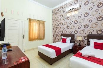 RedDoorz Syariah @ Jalan Letda Sujono Tembung Deli Serdang - RedDoorz Twin Room Last Minute