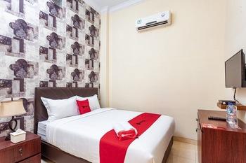 RedDoorz Syariah @ Jalan Letda Sujono Tembung Deli Serdang - RedDoorz Room Last Minute