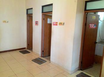 Imam Bonjol Hostel Semarang - 2 in 1 Room Regular Plan