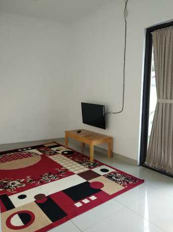 Algira Townhouse (Guest House) Bogor - Room Twin AC Regular Plan