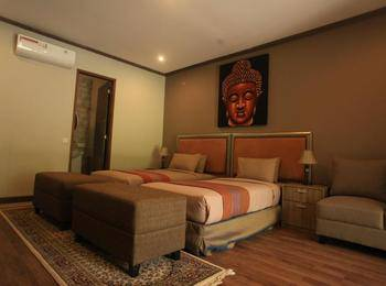Puri Sabina Bed and Breakfast Bali - Pool Deck Room Regular Plan