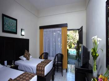 Puri Dalem Hotel Bali - Deluxe Triple  Room Only Basic Deal Promo 35%