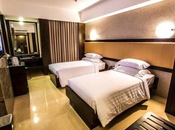 Hotel Crown Tulungagung - Deluxe Room Only SAFECATION