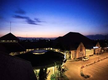 Hotel Crown Tulungagung - Deluxe Room Only Regular Plan