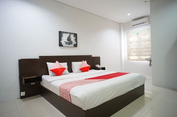 OYO 1477 Athar 88 Hotel Balikpapan - Deluxe Double Room Regular Plan