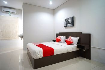OYO 1477 Athar 88 Hotel Balikpapan - Standard Double Room Regular Plan