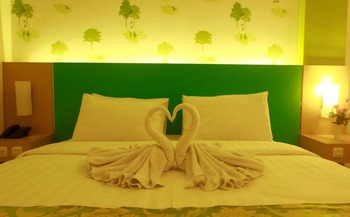 Hotel Royal Park Samarinda - Deluxe Double Room Only Regular Plan