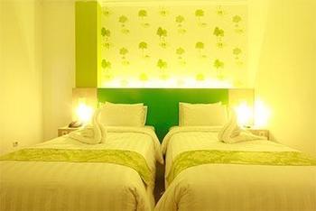 Hotel Royal Park Samarinda - Deluxe Twin Room Regular Plan