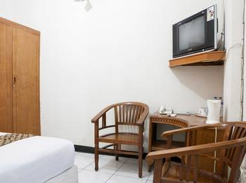 RedDoorz @Cihampelas Bandung - RedDoorz Room Regular Plan