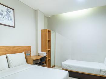LN9 Bandung Guest House Bandung - Suite Triple Regular Plan