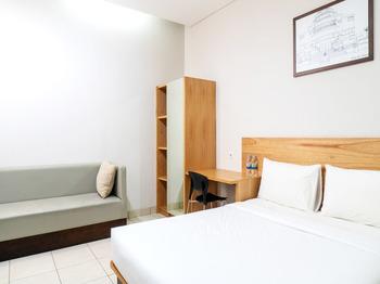 LN9 Bandung Guest House Bandung - Deluxe Double Room Regular Plan