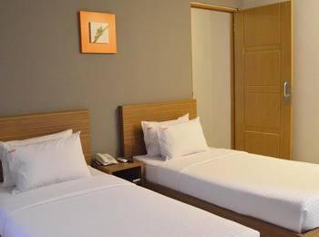 Hotel Sonic Semarang - Deluxe Twin Sharing Bed - with Breakfast Regular Plan