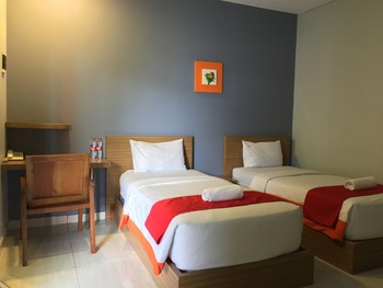 Hotel Sonic Airport Semarang Semarang - Standart Twin Sharing Bed - Room Only Regular Plan