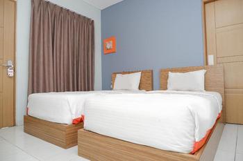 Hotel Sonic Airport Semarang Semarang - Travellers Room  Regular Plan